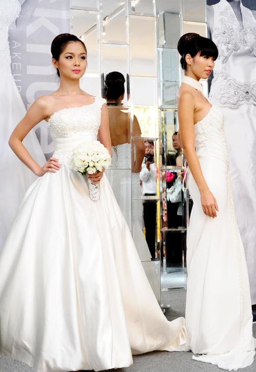 Người mẫu Tuyết Ngọc và Hà Anh