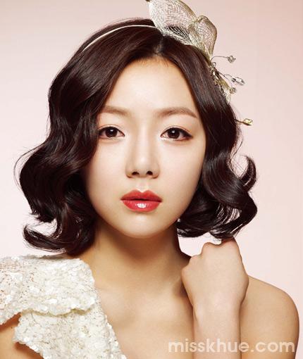 trang trí tóc cưới ngắn kiểu Hàn Quốc